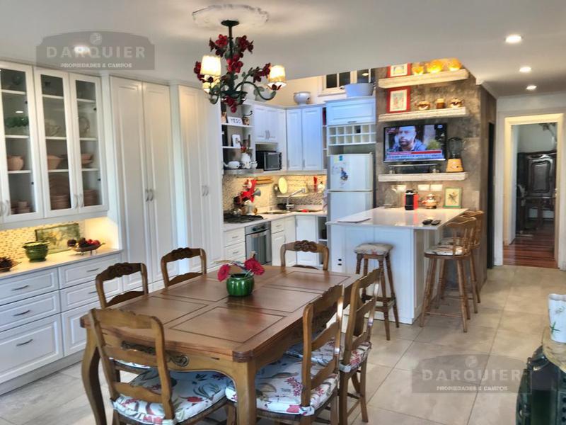 Foto Casa en Venta en  Adrogue,  Almirante Brown  REPUBLICA DE ITALIA 1090