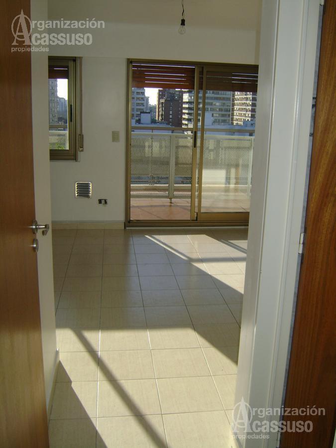 Foto Departamento en Alquiler en  Mart.-Vias/Santa Fe,  Martinez  Arenales al 2100 Martínez