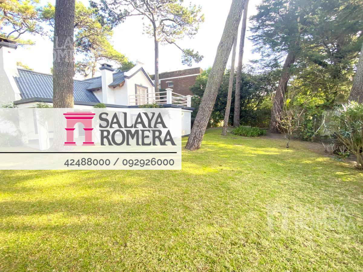 Foto Casa en Venta en  Punta del Este ,  Maldonado  VENTA:  CASA  3 DORMITORIOS + 3 BAÑOS + SERVICIO ZONA PLAYA BRAVA PUNTA DEL ESTE