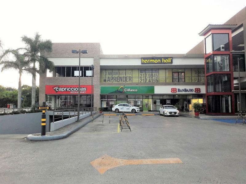 Foto Local en Renta en  Fraccionamiento Lomas Del Naranjal,  Tampico  Renta de Local Comercial **Plaza Dorada**