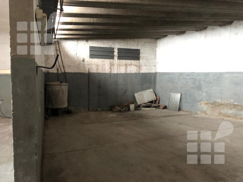 Foto Galpón en Venta | Alquiler en  La Plata ,  G.B.A. Zona Sur  al 500