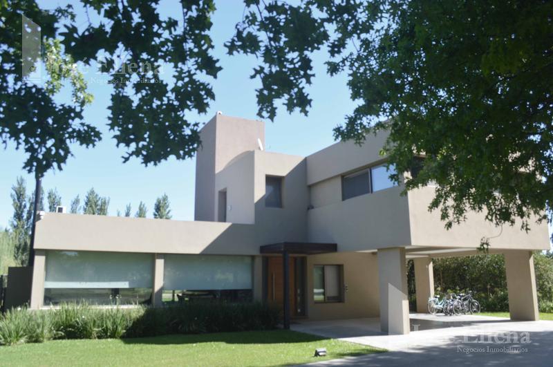 Foto Casa en Venta en  Los Alamos Club de Campo,  Ibarlucea  Club de Campo Los Alamos