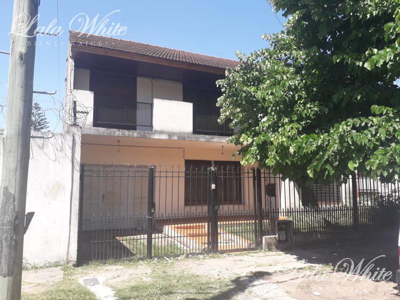 Foto Casa en Venta en  Monte Grande,  Esteban Echeverria  Venta - Casa en Vicente Lopez al 1200 - Monte Grande
