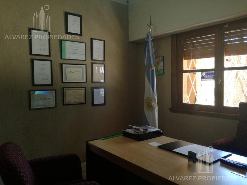 Foto Oficina en Venta en  Ituzaingó,  Ituzaingó  Av. Santa Rosa al 1800