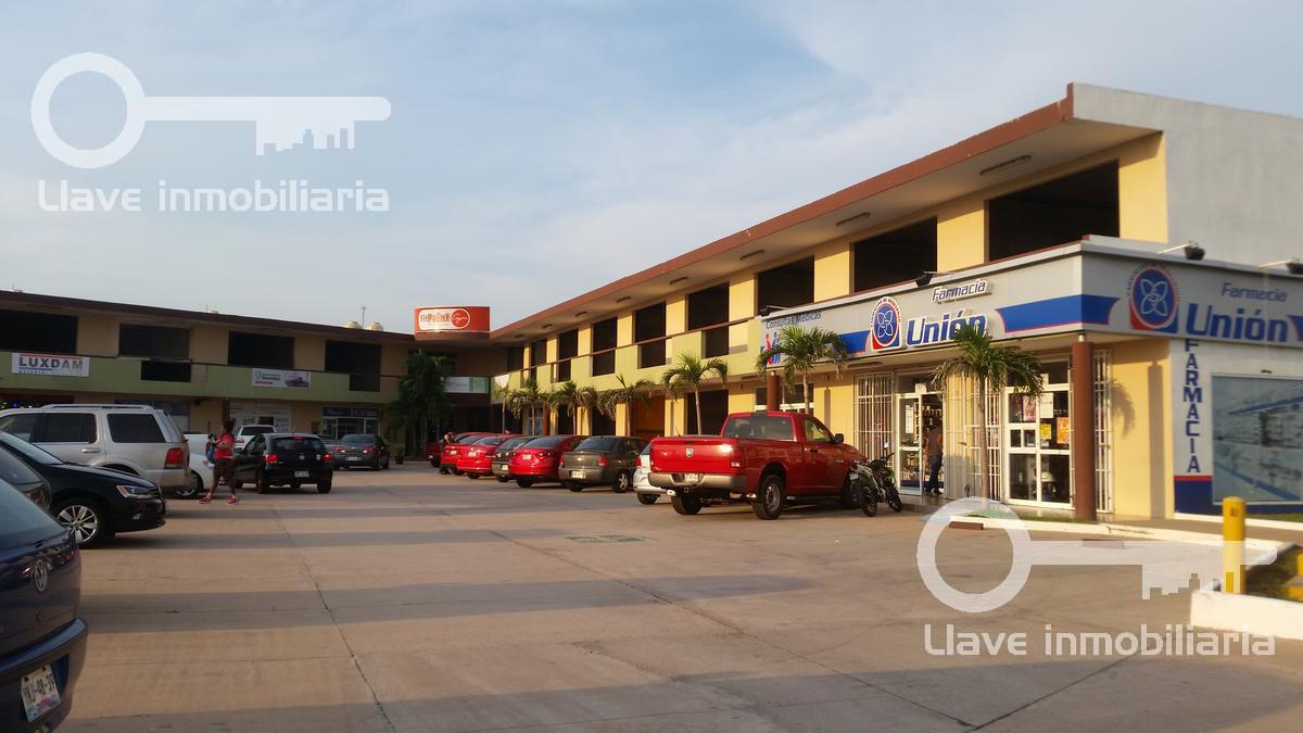 Foto Local en Renta en  Lomas de Barrillas,  Coatzacoalcos  Locales en Renta, Plaza San Javier.
