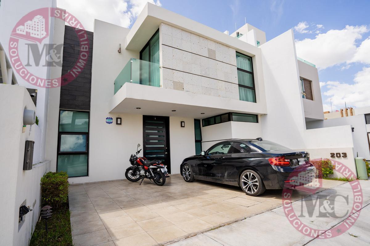 Foto Casa en Venta en  Fraccionamiento Condominio Q Campestre Residencial,  Jesús María  Q CAMPESTRE CASA EN VENTA CON RECAMARA EN PLANTA BAJA