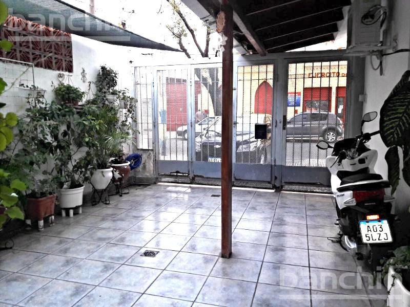 AMENABAR al 500, Rosario, Santa Fe. Venta de Casas - Banchio Propiedades. Inmobiliaria en Rosario