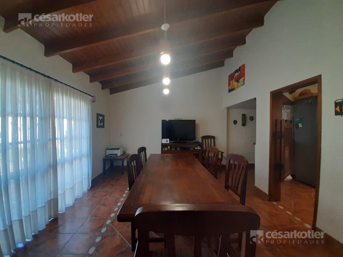 Foto Casa en Venta en  Temperley,  Lomas De Zamora  Julián de Casal 1061