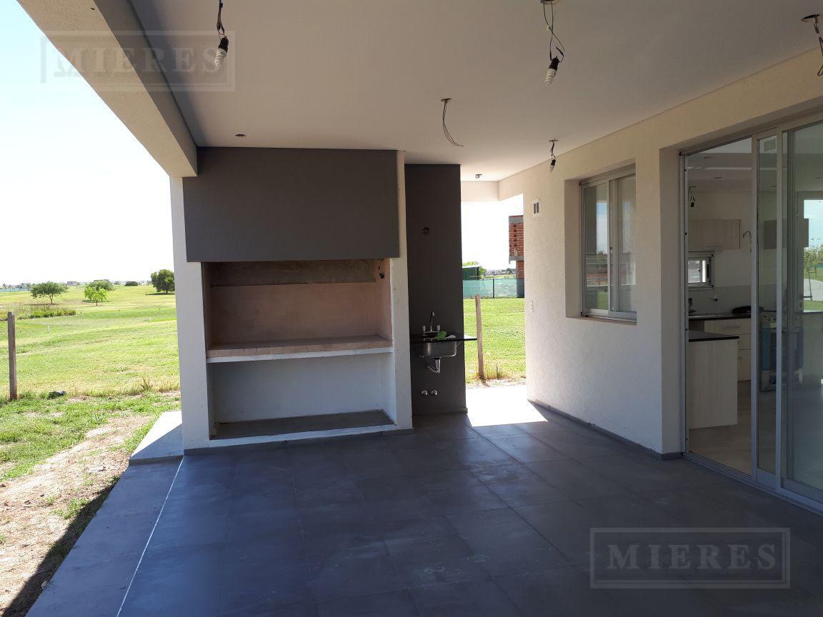 Casa  en venta con renta  El Cantón Barrio Golf