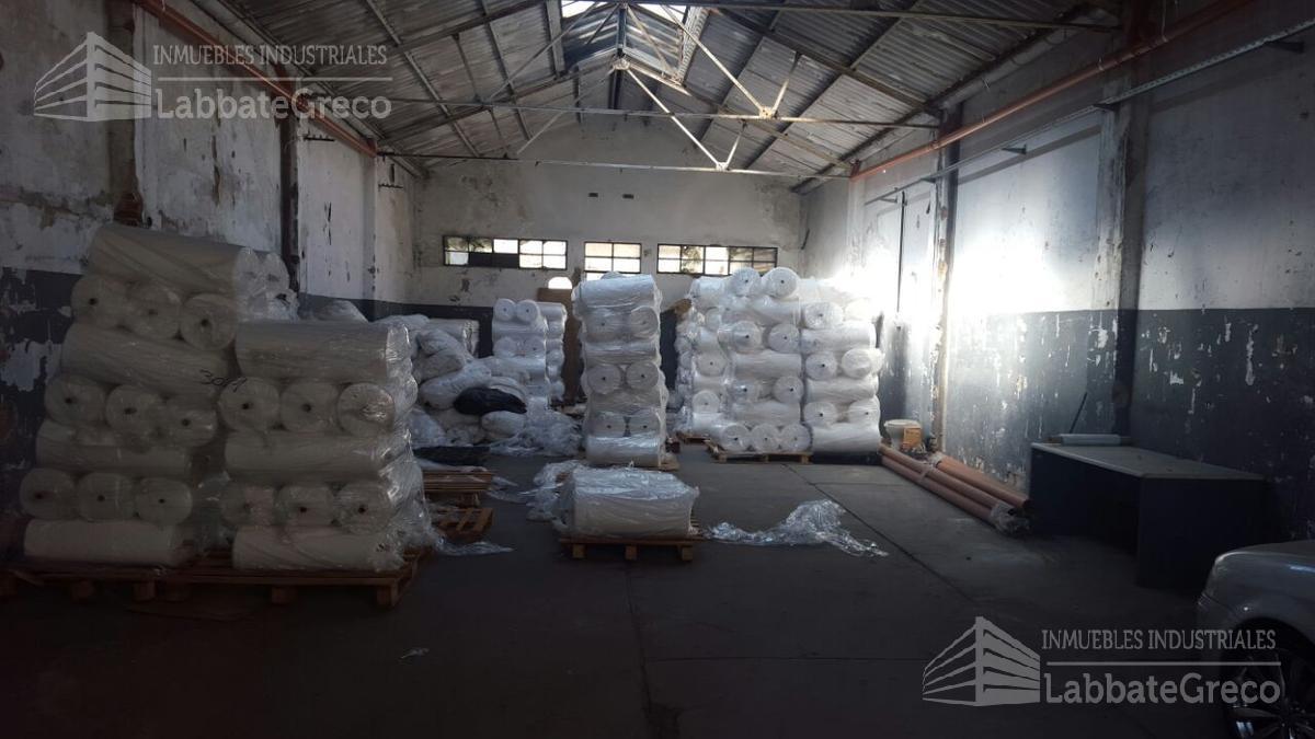 Foto Nave Industrial en Venta en  Villa Lynch,  General San Martin  Guido Spano al 3700