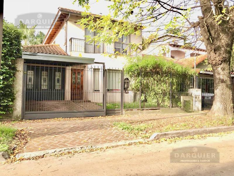Foto Casa en Venta en  Adrogue,  Almirante Brown  AVELLANEDA 927