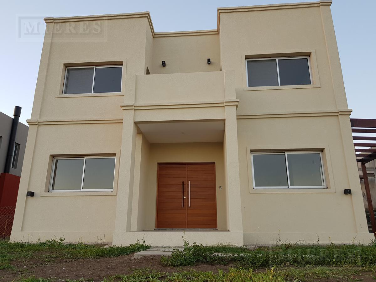 Casa  en   alquiler Puertos  Barrio Araucarias .