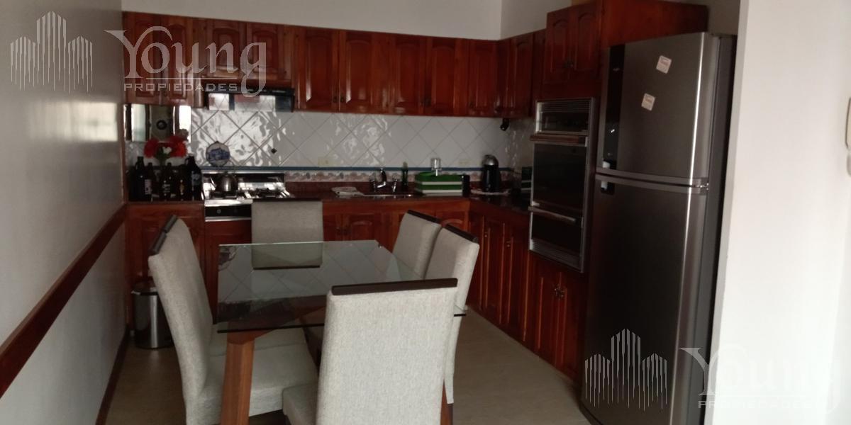 Foto Casa en Venta en  Bernal Oeste,  Quilmes  Luis Maria Campos al 400