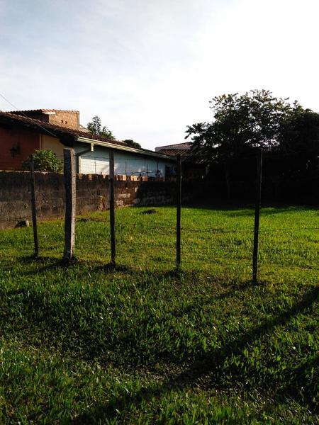 Foto Terreno en Venta en  Luque ,  Central  Vendo hermoso terreno de 405 m2 en Villa Adela - Luque