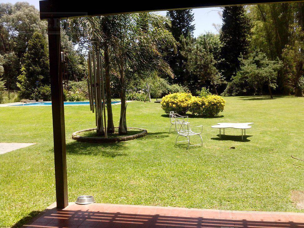 Casa en venta calle Mendoza , Benavidez