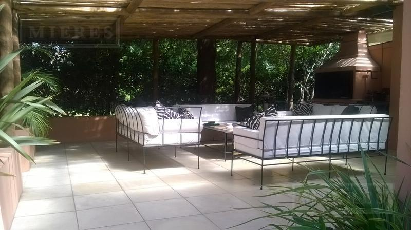 Casa de 359 mts. en Tortugas C.C.