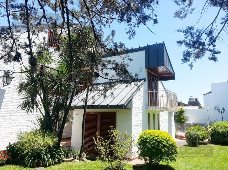 Foto Casa en Venta en  Turdera,  Lomas De Zamora  ZAPIOLA 681