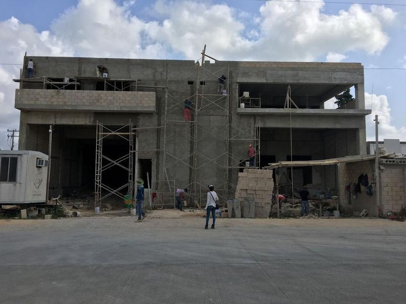 Foto Bodega Industrial en Renta en  Supermanzana 300,  Cancún  Bodega en construcción, ENTREGA 1o. OCTUBRE.