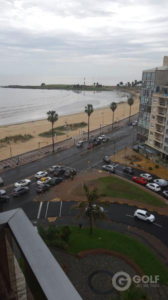 Foto Departamento en Alquiler en  Pocitos ,  Montevideo                          Avda. Brasil proximo a Rambla