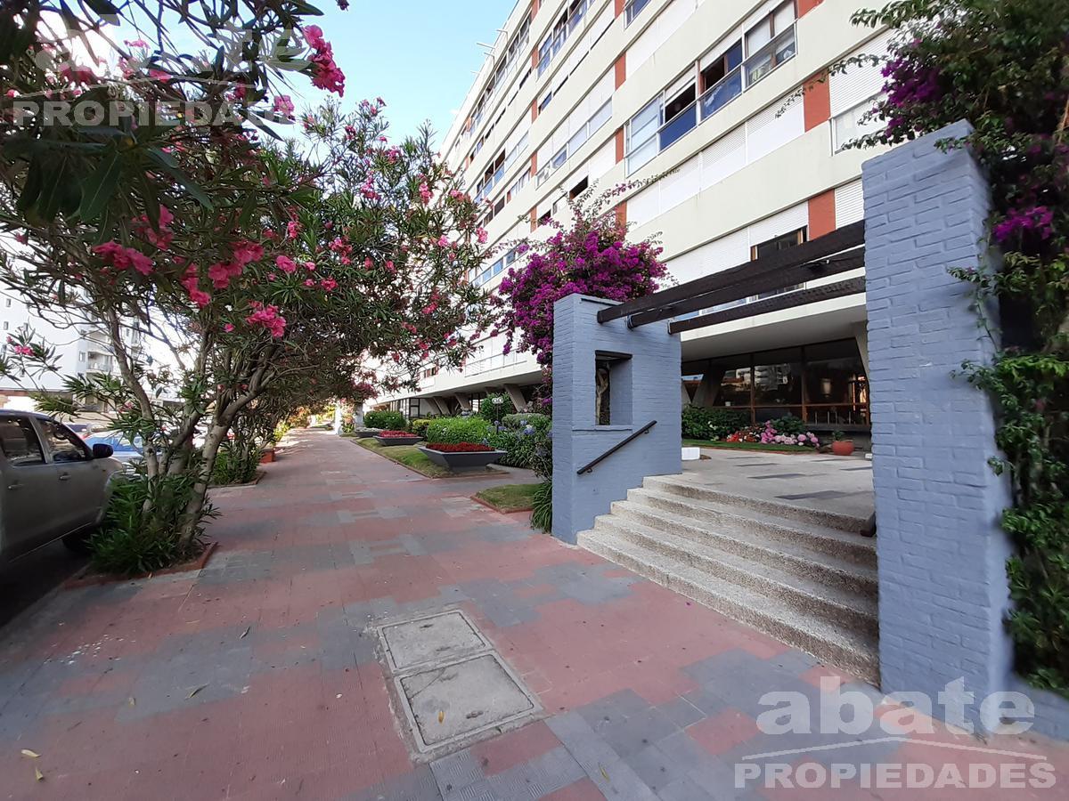 Foto Apartamento en Venta en  Punta del Este ,  Maldonado  Yaro 100