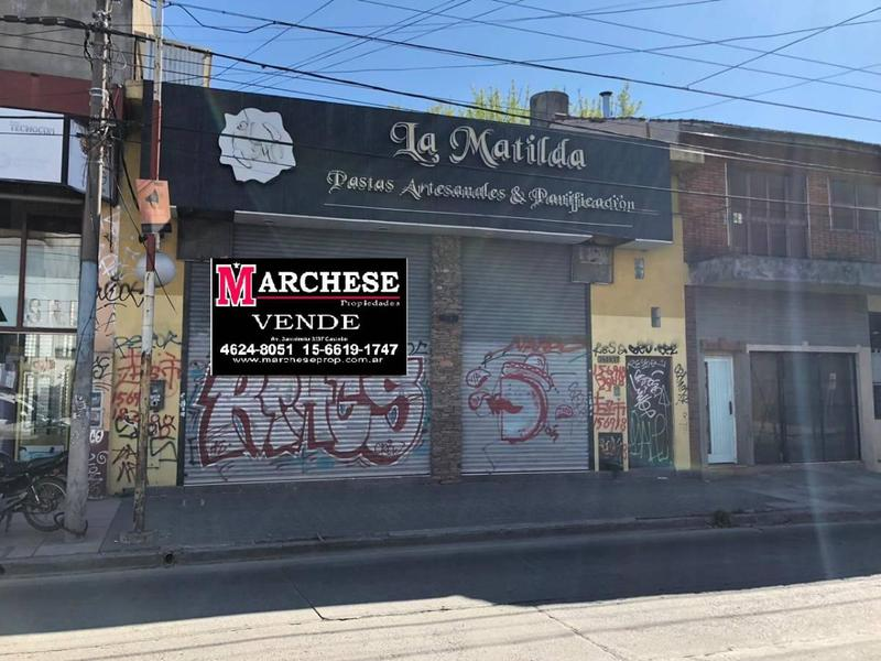 Foto Local en Venta en  Castelar,  Moron  Av. Arias 3400