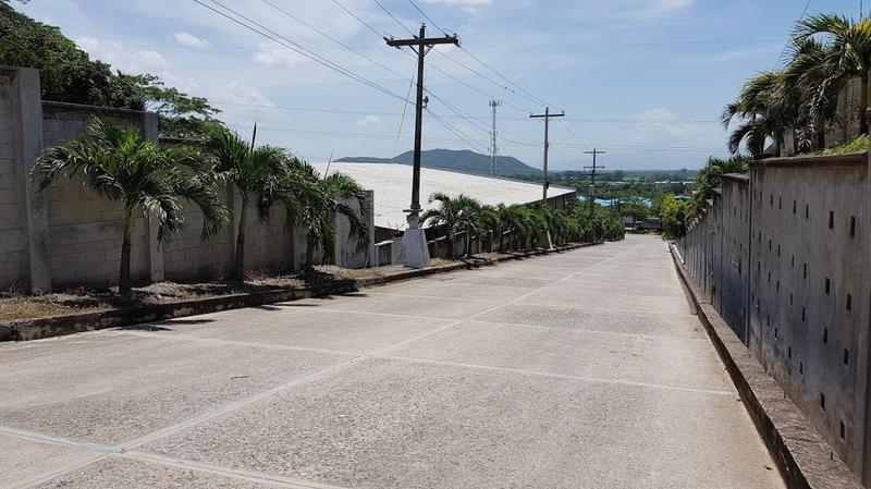 Foto Bodega Industrial en Renta en  Salida carretera al sur,  San Pedro Sula  Nave Industrial #10 en Boulevard del Sur