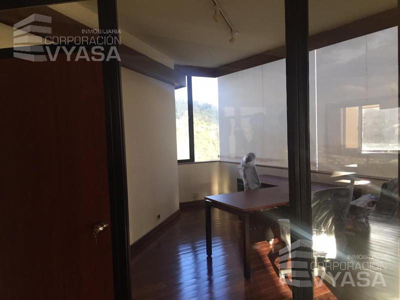 Foto Oficina en Alquiler en  Quito ,  Pichincha  GONZÁLEZ SUÁREZ - MUY BUENA OFICINA AMOBLADA DE RENTA DE 200 m2.