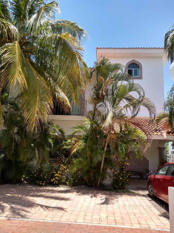 Playa del Carmen Casa for Alquiler scene image 1