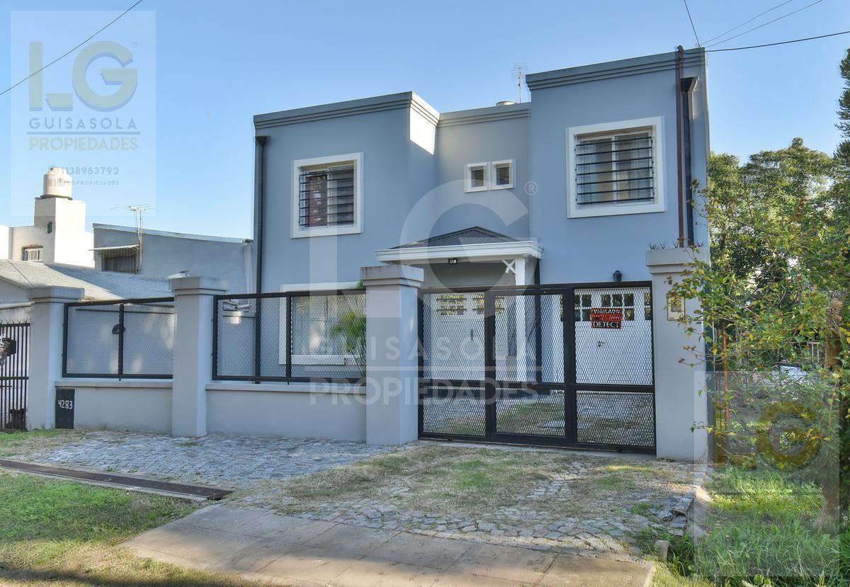 Foto Casa en Venta en  Ranelagh,  Berazategui  121 4300