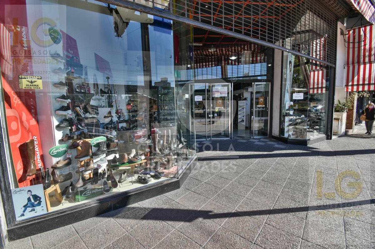 Foto Local en Venta en  Berazategui ,  G.B.A. Zona Sur  Av 14 n°4552
