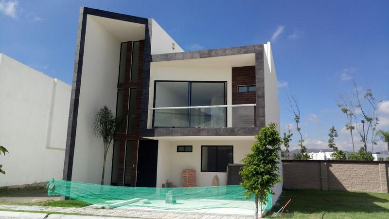 Foto Casa en Venta en  La Isla Lomas de Angelópolis,  San Andrés Cholula  Casa en venta San Juan del Rio 17 en parque Queretaro
