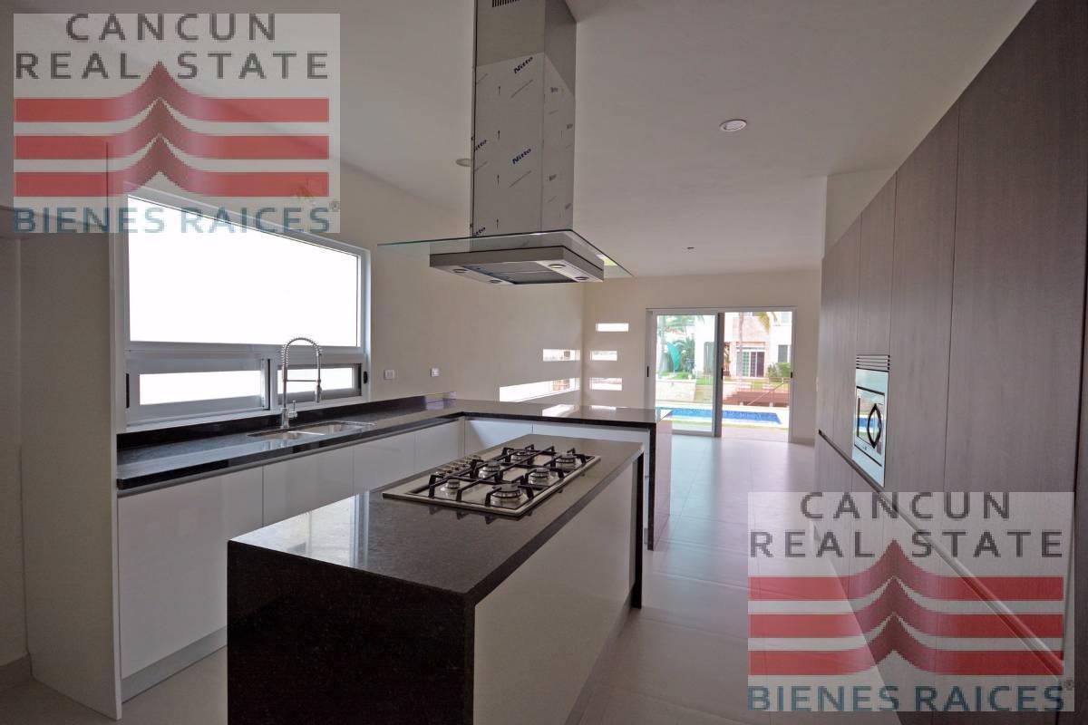 Foto Casa en Venta en  Isla Dorada,  Cancún  Casa venta Cancun