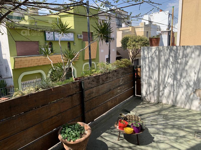 Foto Casa en Venta en  Liniers ,  Capital Federal  El Hornero al 200