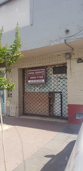 Foto Local en Venta en  Banfield Oeste,  Banfield  Berutti 94