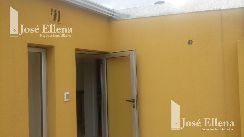 Foto Departamento en Venta en  Macrocentro,  Rosario  España al 2800