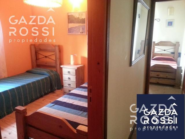 Foto Casa en Venta en  Carilo ,  Costa Atlantica  JILGUERO 600