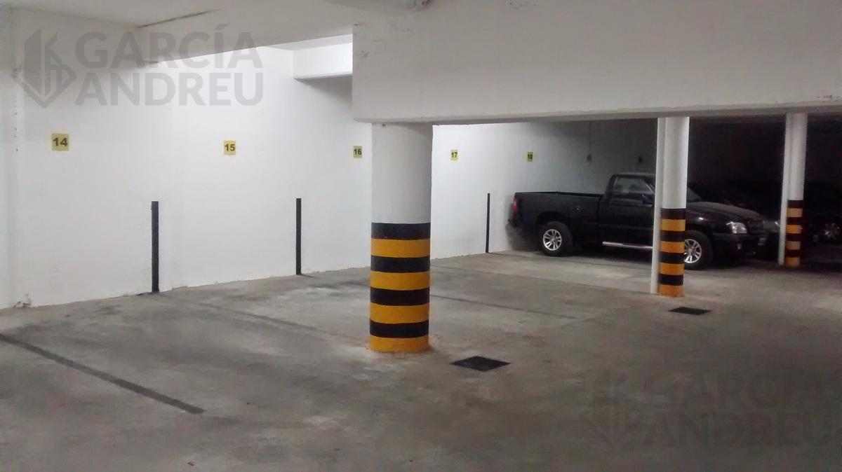 Foto Cochera en Venta en  Echesortu,  Rosario  Urquiza 3500