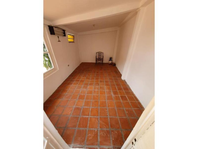 Foto Casa en Venta en  Martinez,  San Isidro  castro barros 1700