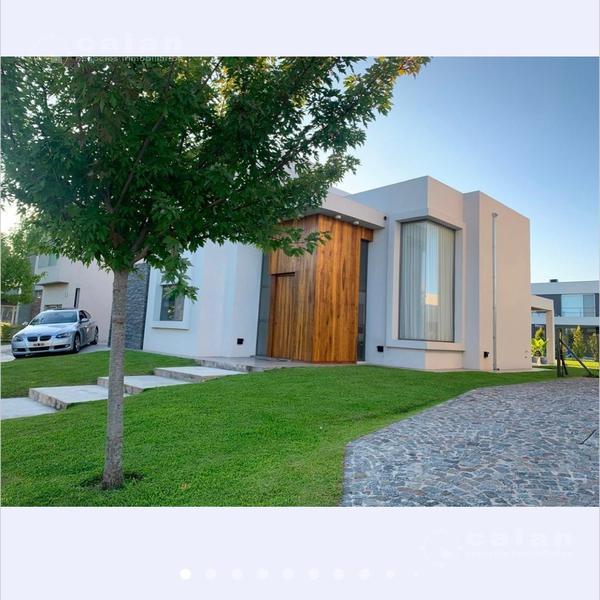 Foto Casa en Alquiler temporario en  Las Tipas,  Nordelta  Tipas, Nordelta