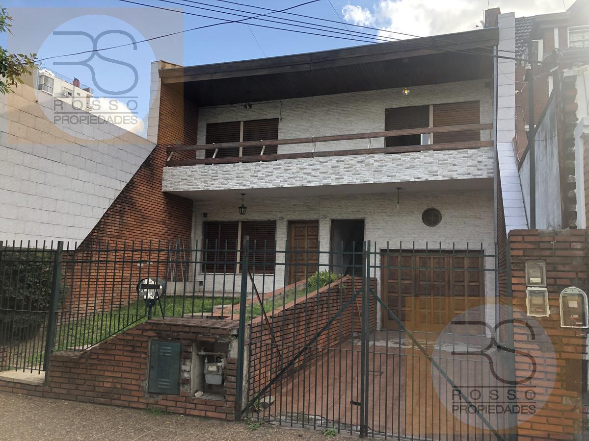 Foto Casa en Venta en  Villa Sarmiento,  Moron  Segurola al 200