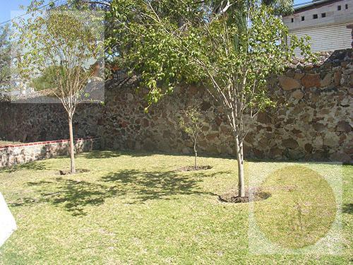 Foto Casa en Venta en  Barrio San Juan,  Tequisquiapan  Semi-nueva, de una planta.