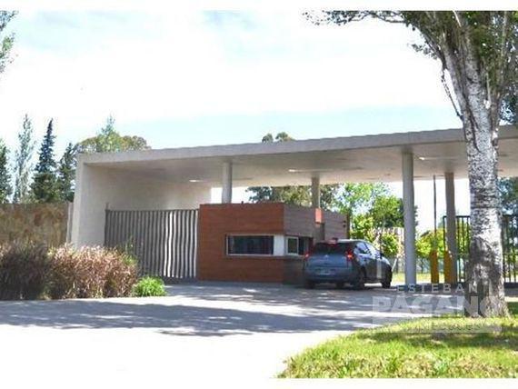 Foto Terreno en Venta en  Arana,  La Plata   137 y 90 Fincas de Duggan