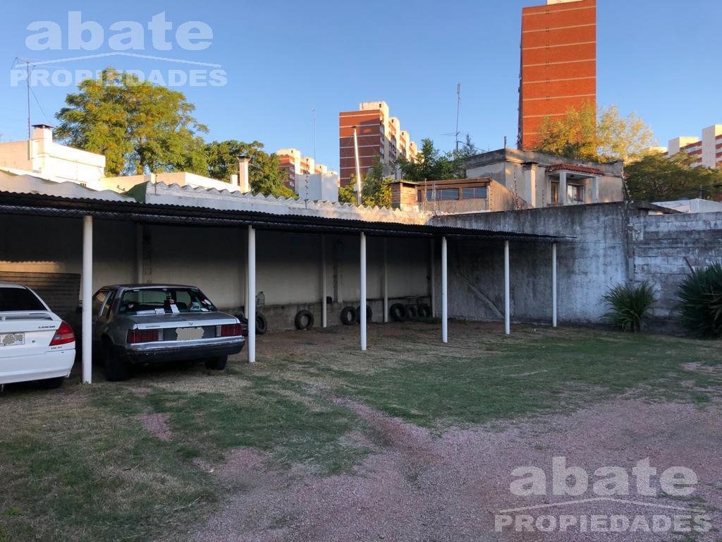 Foto Cochera en Venta en  Aires Puros ,  Montevideo  Caicobé y Valdenegro