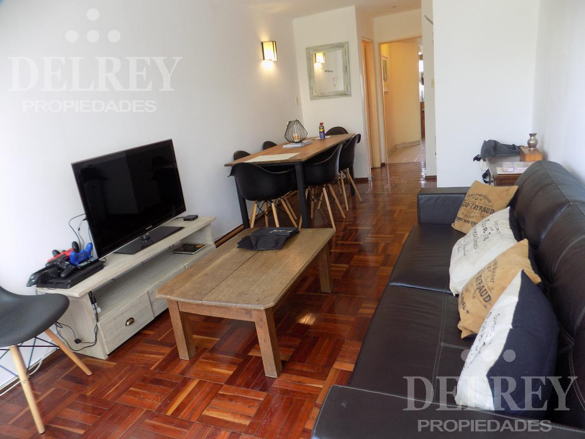 Foto Departamento en Alquiler en  Pocitos ,  Montevideo  Ellauri y Avenida Brasil Próximo