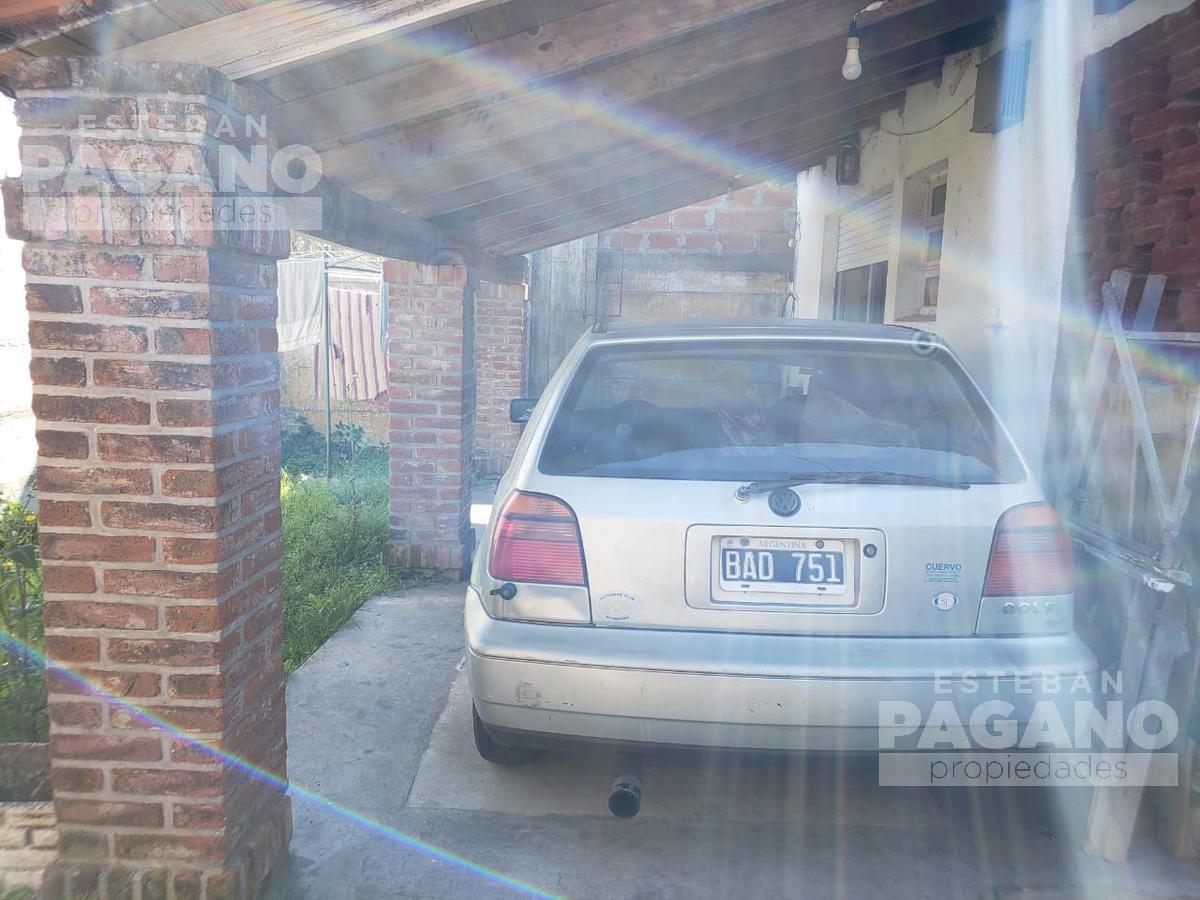 Foto Casa en Venta en  La Plata ,  G.B.A. Zona Sur  83 esq 12 bis N° 16 Manzana O