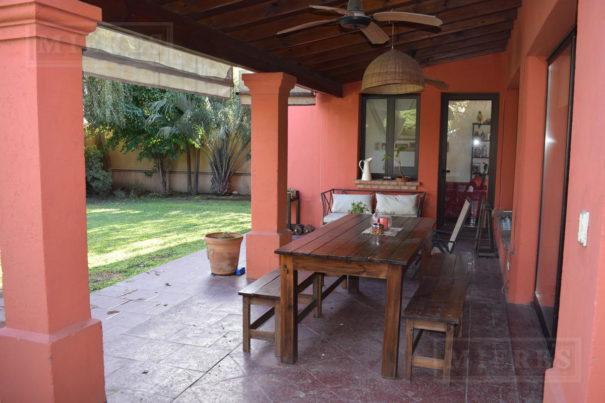 Casa en venta en Ayres Chico