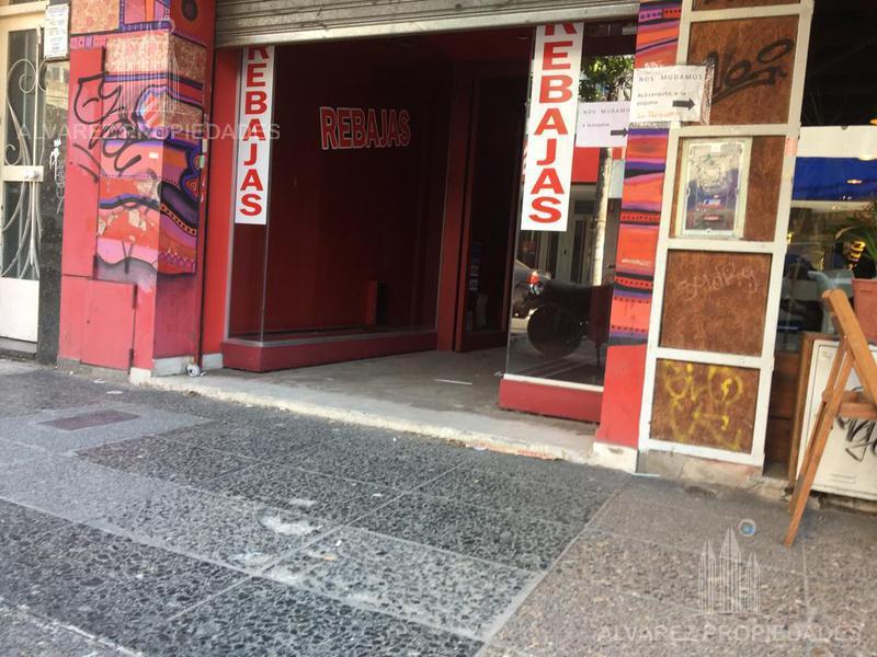 Foto Local en Alquiler en  Castelar,  Moron  arias al 2400