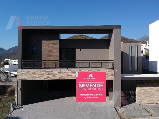 Foto Casa en Venta |  en  Valle Alto,  Monterrey  Valle Alto, Monterrey