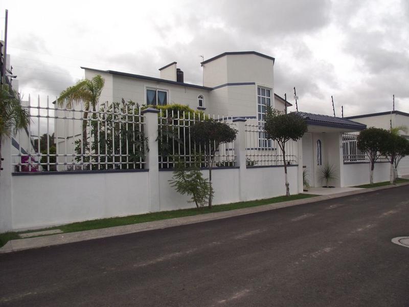 Foto Casa en Venta en  Fraccionamiento El Rosario,  Pachuca  Fraccionamiento El Rosario