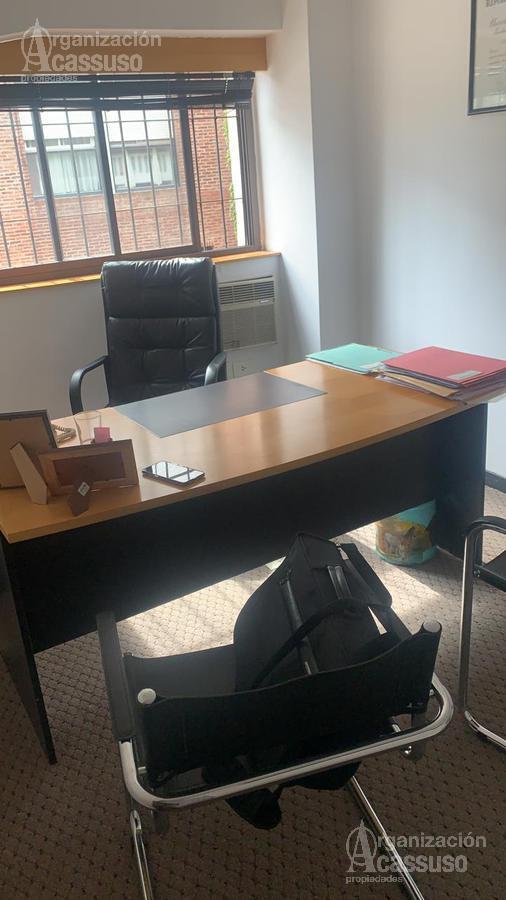 Foto Oficina en Venta en  Mart.-Vias/Santa Fe,  Martinez  Sarmiento 61 1° piso Martínez - Depto / Oficina